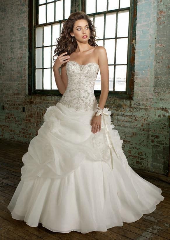 صور حلوة لفساتين زفاف