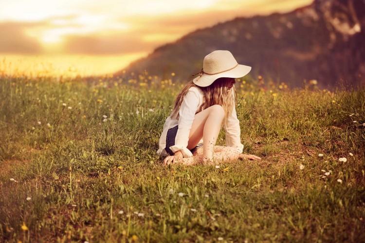 صور جميلة جدا بنات حزينة
