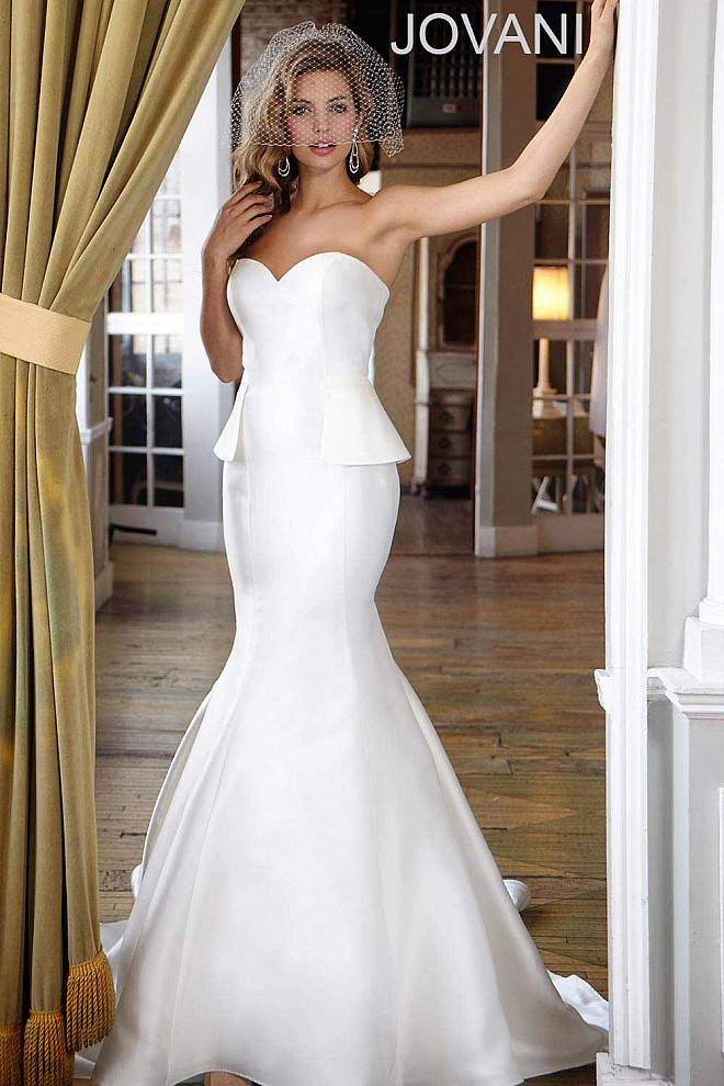 صور فساتين زفاف جامدة