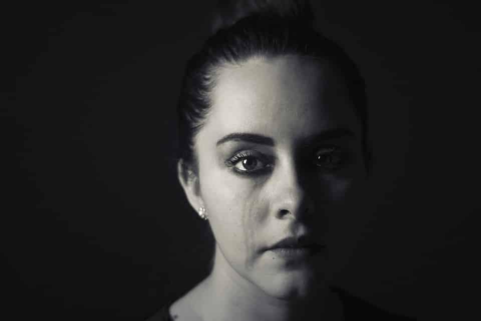 تحميل صور بنات حزينة