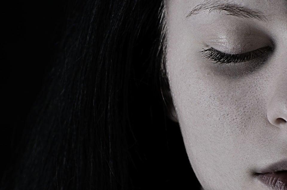 صور بنات حزينة تجنن