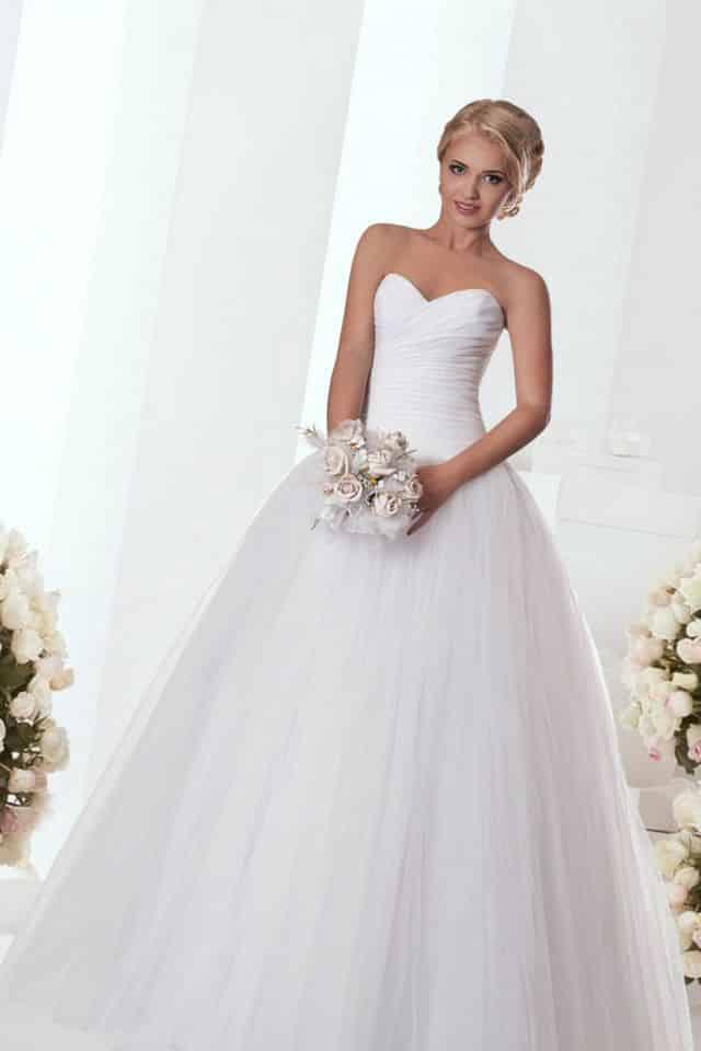 صور فساتين زفاف حلوه