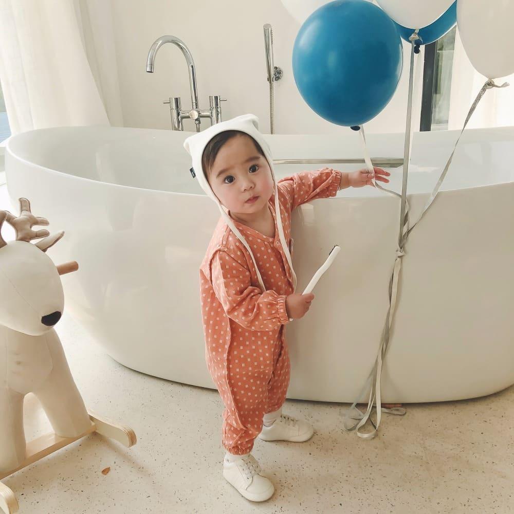صور أحدث تصاميم ملابس فصل الخريف للاطفال الرضع منوعة