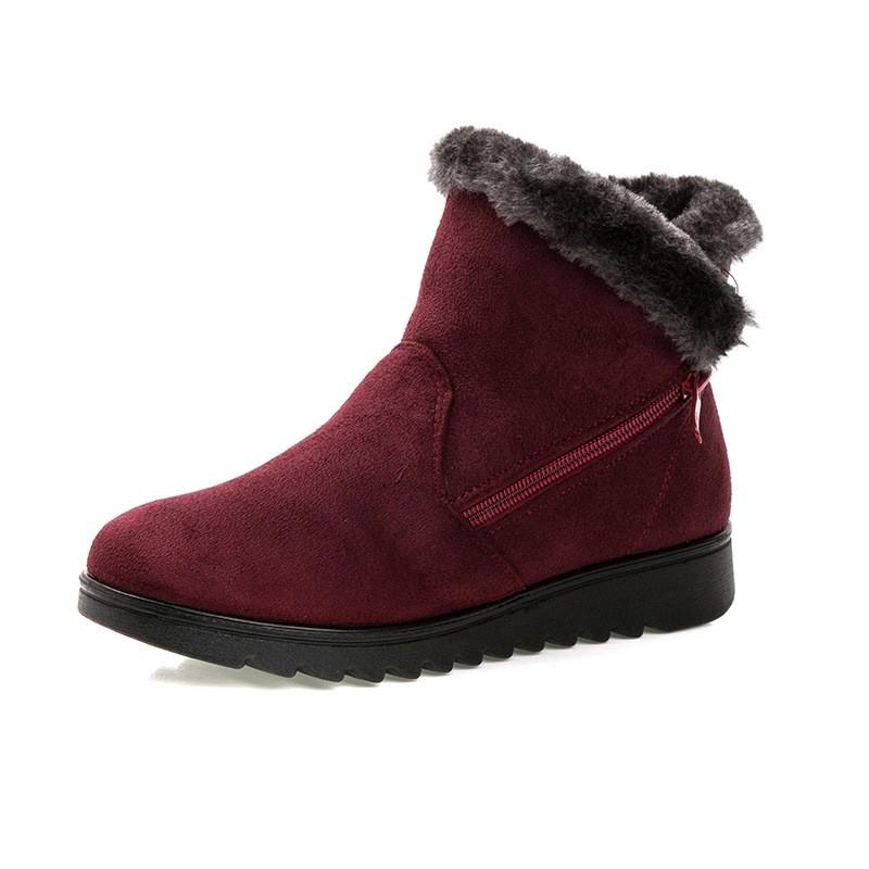 صور أحذية أطفال على الموضة لفصل الشتاء تجنن